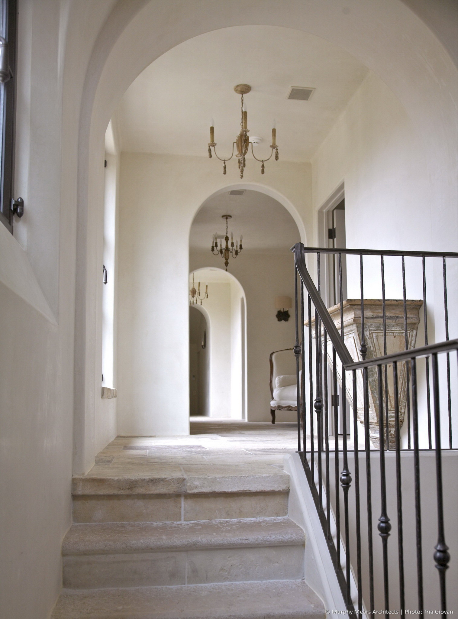 w-bridge-house-interior-stairs