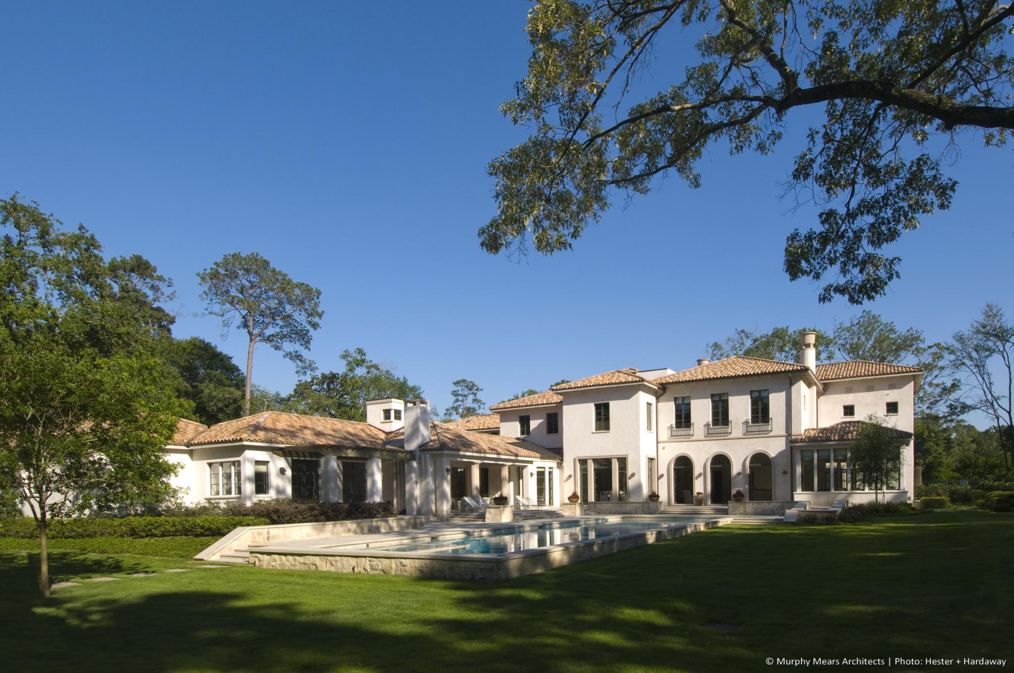 w-mediterranean-villa-exterior-back-yard