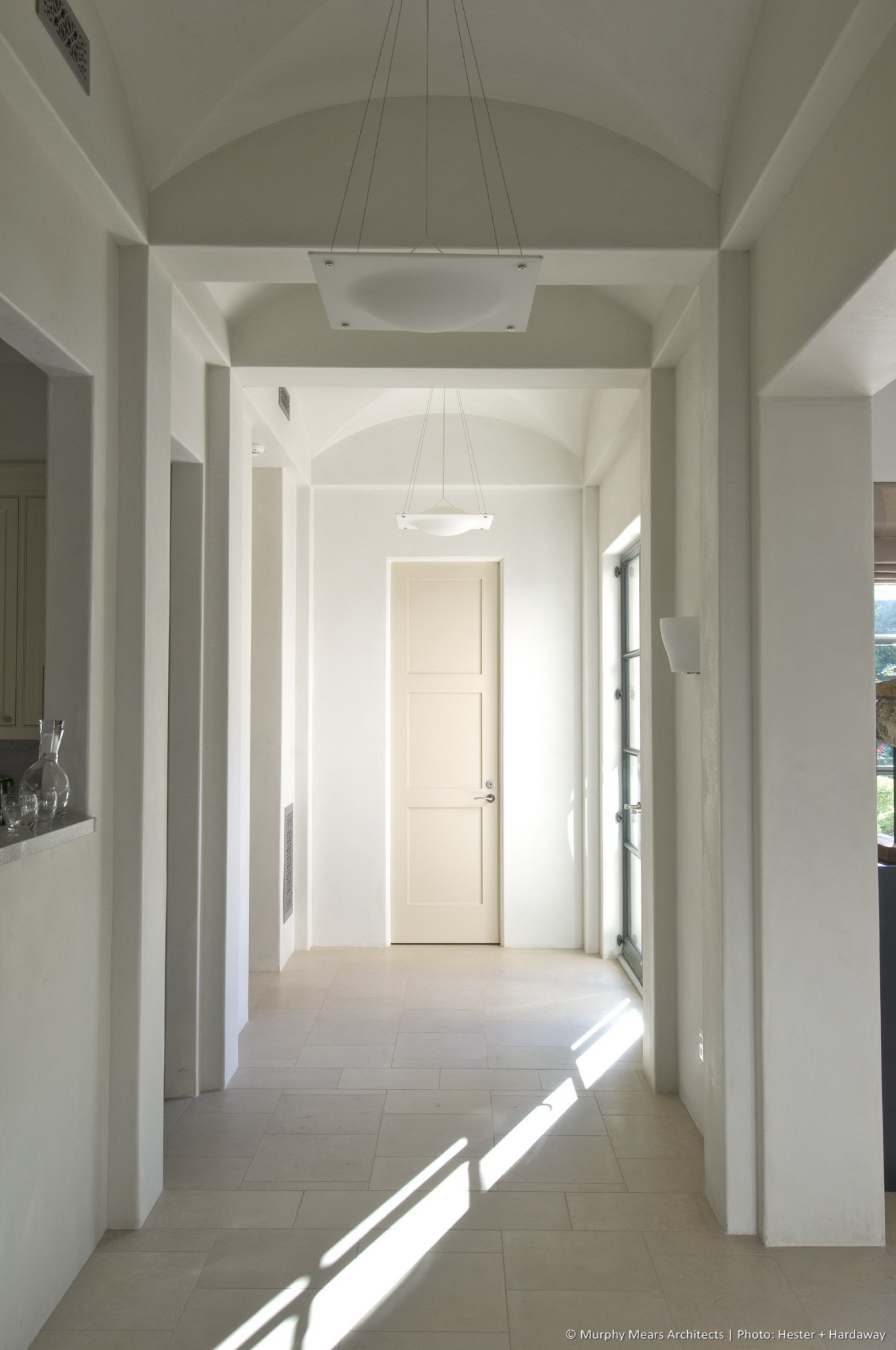 w-mediterranean-villa-interior-hall