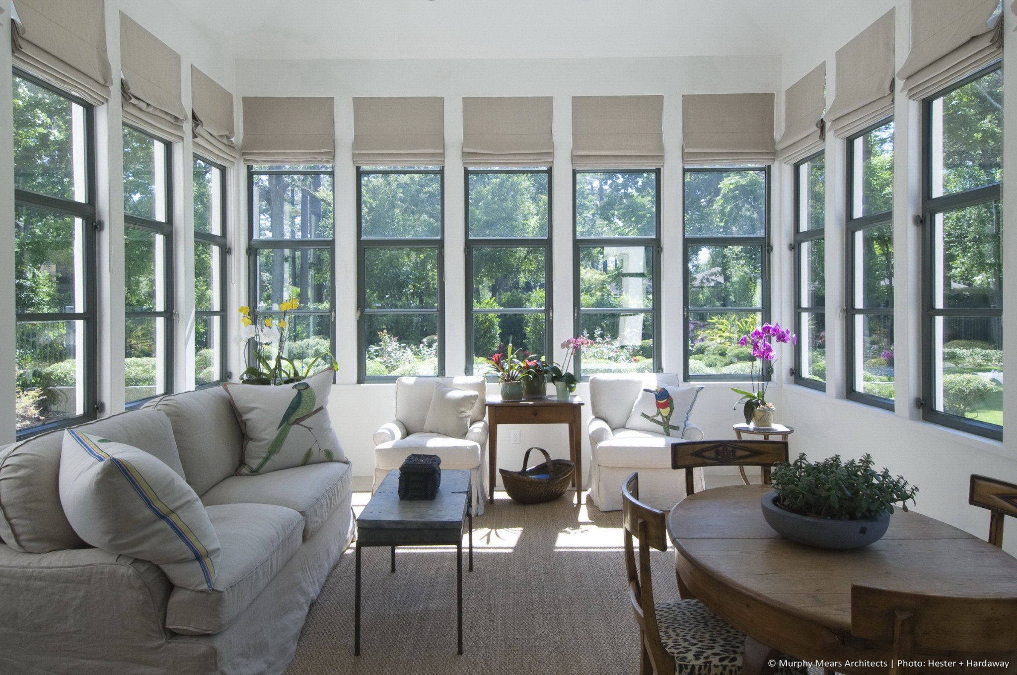 w-mediterranean-villa-interior-sunroom