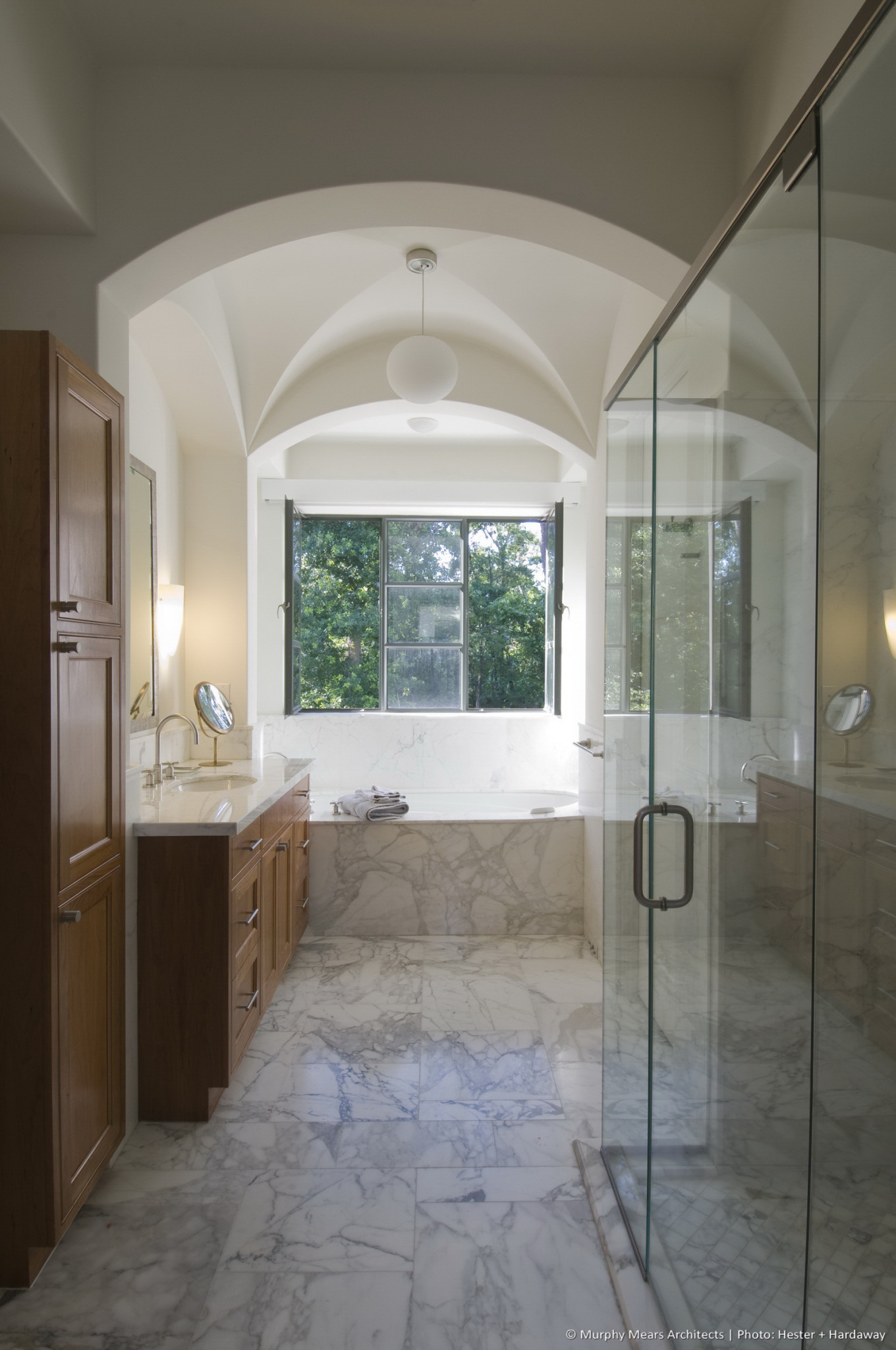 w-mediterranean-villa-master-bath-his