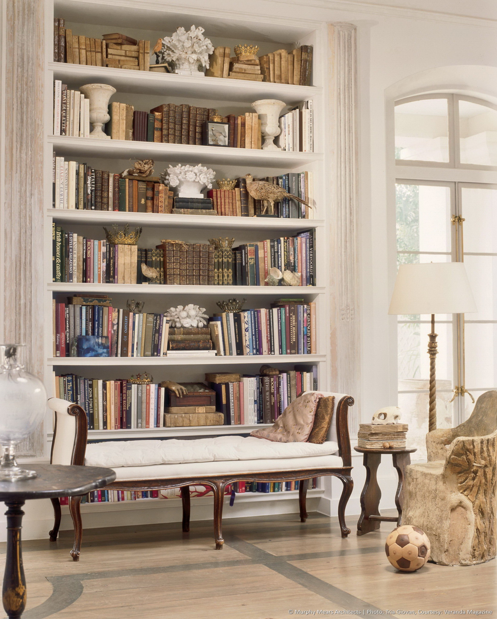 w-neoclassical-shotgun-bookshelves