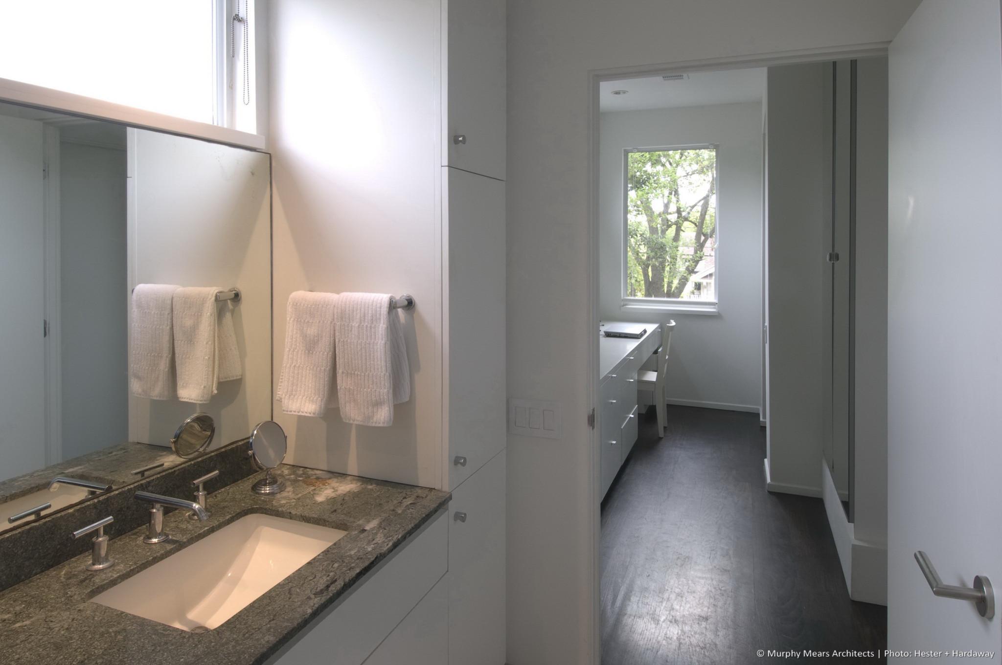 w-modern-bungalow-bathroom