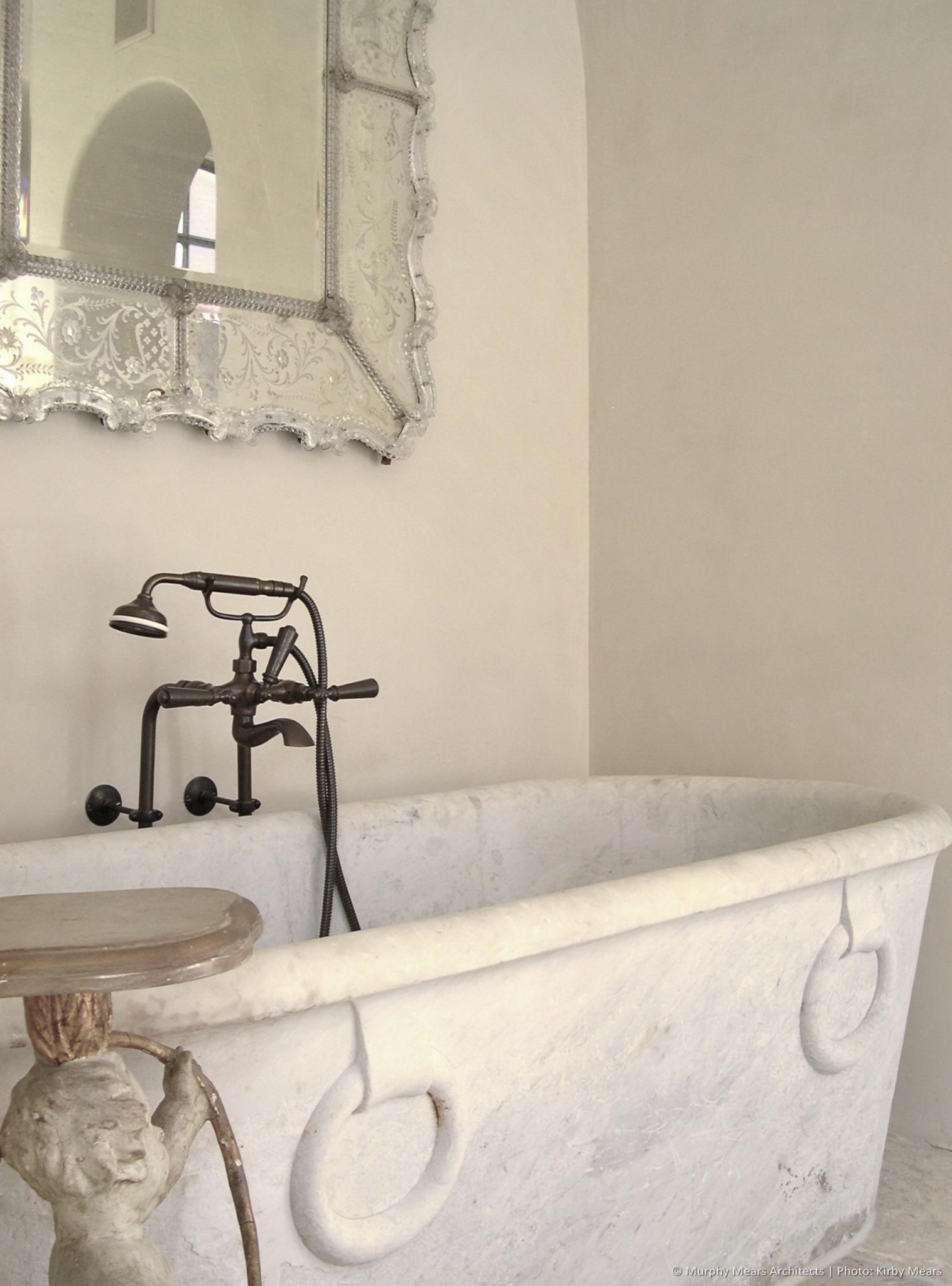 w-bridge-house-master-bath-tub