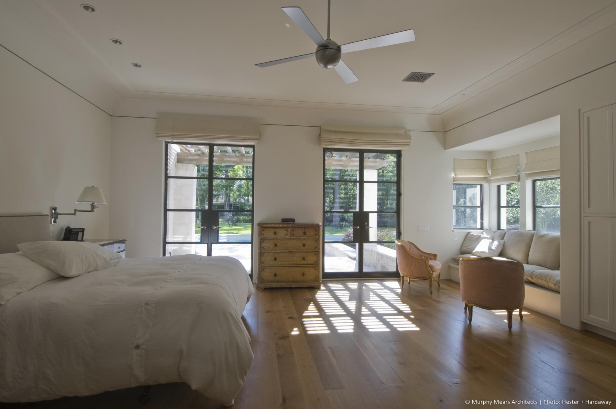 w-mediterranean-villa-master-bedroom
